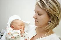 ADAM: Rodiče Monika a Karel Lenfeldovi ze Solnice se radují z narození syna Adama. Ten přišel na svět 7. 12. v 19.14 hodin (3,58 kg a 51 cm). Tatínek byl u porodu a vše zvládl velmi dobře.