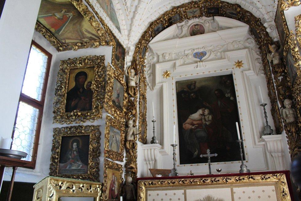Z interiéru doudlebského zámku
