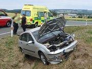 Dopravní nehoda dvou osobních automobilů u odbočky na Lokot.
