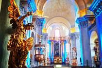 Adventní neděle v Piaristickém chrámu Nalezení sv. Kříže v Litomyšli. Prijďte se podívat na slavnostně osvětlený chrám, navštivte expozici Andělé na návrší a krásnou vyhlídku na svátečně oděnou Litomyšl.