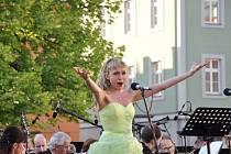 Pod májovým nebem v Litomyšli zněly v sobotu navečer operní árie.
