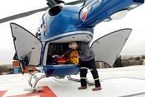 Ilustrační foto: POPÁLENÉHO MUŽE  transportoval vrtulník z  Litomyšlské nemocnice  na kliniku do Prahy.