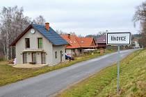 Nové domy v Řikovicích rostou ve směru na Dolní Újezd i ve směru na Osík. Volných parcel pro nové domy ubývá. V plánu obce je hledat nové lokality pro výstavbu.