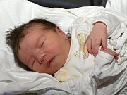 EMA KUBEŠOVÁ. Narodila se 4. června Kateřině Doubkové a Miroslavu Kubešovi z Litomyšle. Měřila 48 centimetrů a vážila 3,5 kilogramu. Doma se na ni těšili sourozenci Štěpán, Barbora a Matěj.