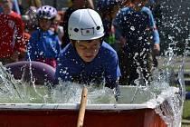 Na fotbalovém hřišti v Čisté se sešli mladí hasiči z okresu ve věku od 6 do 15 let. Poměřili tam dovednosti v celoroční hře Plamen.
