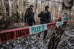 Policie v sobotu prohledala prostor uzavřené zóny mimo areál Poličských strojíren.