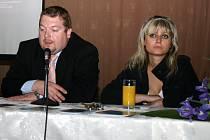 Rozkvět regionu představili Miroslav Netolický a ředitelka Kulturních služeb Libuše Gruntová.