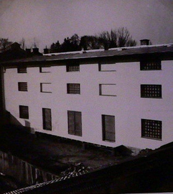 Budova bývalé olejny vLitomyšli.