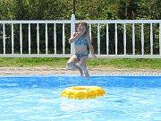 Kemp v Borové nabízí pro hosty lákadlo v podobě bazénu