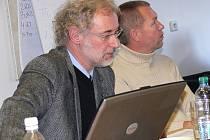 Architekt Ivo Koukol (vlevo) je přesvědčený, že revitalizace památkám na zámeckém návrší prospěje. Na projektu s ním spolupracuje také Aleš Burian nebo Josef Pleskot.