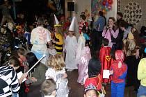 Karneval v Poličce podpořila nadace Divoké husy.