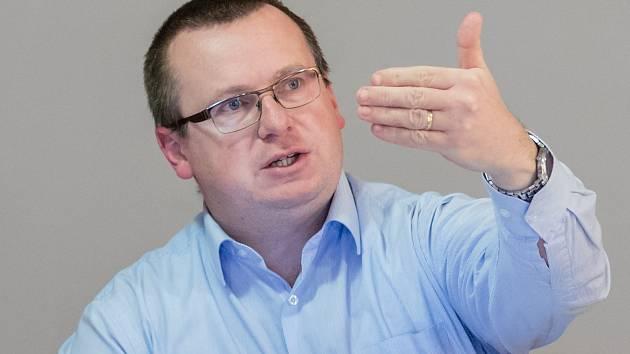 Dušan Pávek.