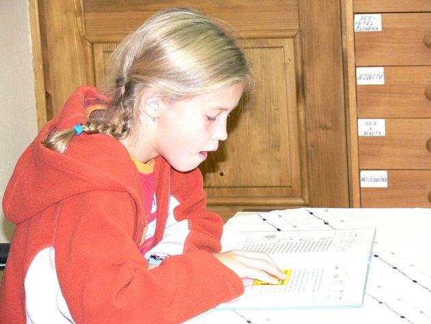 Školáci z Cerekvice zahájili nonstop čtení v litomyšlské knihovně