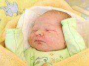 ADAM FLÍDR. Narodil se 23. února Petře a Martinovi ze Svitav. Měřil 51 centimetrů a vážil 3, 8 kilogramu. Má sourozence Matějea Anetku.