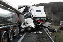 Nehoda kamionu a nákladního auta s návěsem v Moravské Třebové.