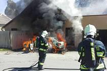 Požár vozidla v Hradci nad Svitavou.