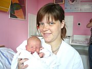 NIKOL SVOBODOVÁ. Slečna spatřila světlo světa 4. května v 5.35 hodin v litomyšlské porodnici. Vážila 3,4 kilogramu a měřila půl metru. Šťastní  rodiče Blanka a Miroslav si dcerušku odvezou do Perálce.