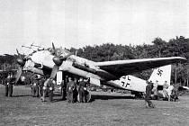Starší varianta německého těžkého stíhacího letounu Messerschmitt Bf 110, zachycená po lehké havárii na letišti ve Vysokém Mýtě.