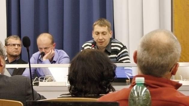 Starosta David Šimek míní, že optimalizaci webu má v plánu. Stejně tak chce zlepšit i rozklikávací rozpočet.