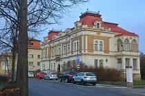 Město Litomyšl prodává vilu Klára, která je od roku 2018 prázdná.