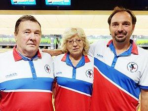 Extraligový bowlingový tým ABB Vidlatá Seč: zleva František Brokeš, Anna Brokešová, Milan Brokeš.