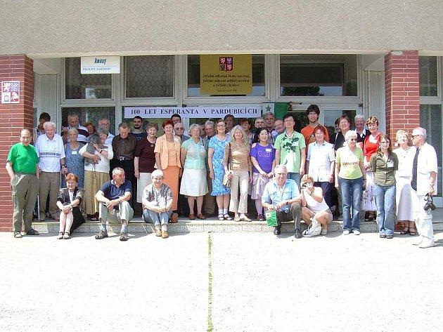 Na oslavě 100 let klubu esperanta v Pardubicích nechyběli Svitavští.