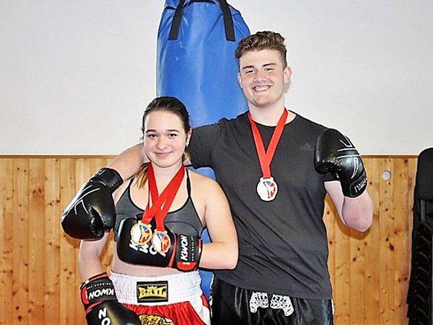 Nebáli se. Nicol Dvořáková a Filip Hlouš se na turnaji v Kadani postavili svým soupeřům bez bázně a respektu.
