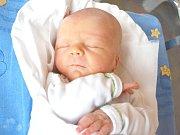 ADAM ŠKORPÍK. Rodiče Martina a Jiří z Bystrého mají od 4. července 11.45 hodin radost z narození syna. Vážil 3,4 kilogramu a měřil 49 centimetrů.