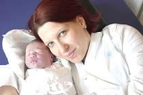 IZABELA FENDRICHOVÁ. Holčička se narodila 9. února v 10.32 hodin v Litomyšlské nemocnici. Vážila 3,35 kilogramu a měřila půl metru. S rodiči Pavlínou Fendrichovou a Lukášem Wohlmuthem a  bráškou Alešem bude doma na  Mendryce.