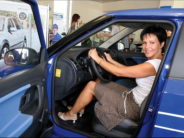 Jana Tomášková vyhrála v soutěži s Deníkem novou Škodu Fabii.