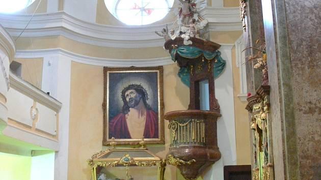 Poutnímu místu Kalvárie je tři sta let. Většina historiků označuje jako autora chrámu slavného architekta Giovanniho Santiniho.