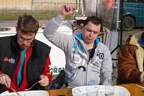 Maxijedlík z Bystrého vyhrál ve Valticích v pojídání knedlíků plněných uzeným masem.