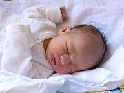 ESTER GRUBEROVÁ. Narodila se 15. března Editě a Milanovi z Javorníku. Měřila 49 centimetrů a vážila 2,95kilogramu. Má sestřičku Vanessku.