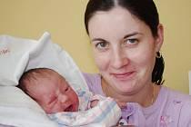 NIKOL  JANŠTOVÁ. Rodiče Jana Jakimjuková a David Janšta z Boršova mají od 9. března 19.41 hodin o starost a radost navíc. Malá Nikol měla po porodu 48 centimetrů a vážila 2,89 kilogramu.