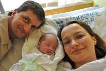 VÁCLAV ROZLÍVKA.  Klučina přišel na svět v litomyšlské porodnici  13. července v 4.51 hodin.  Vážil 3,2 kilogramu a měřil  48 centimetrů.  Novopečení rodiče Eva a Miroslav si Vašíka odvezou do Osíku.