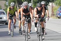 Cyklistika tentokrát nebyla rozhodující částí závodu. Jeho vítěz tvrdě a nemilosrdně udeřil teprve v běhu.