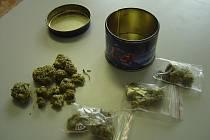 Policie dopadla drogové dealery během akce Sonata.