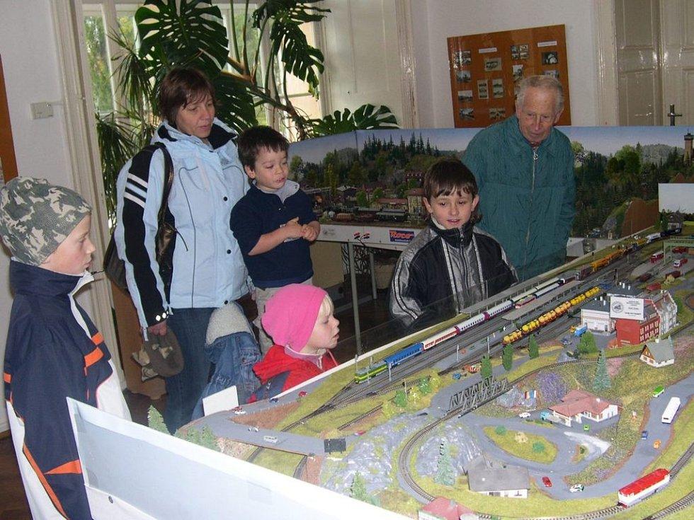 Výstava k výročí trati, která je k vidění v Orlickém muzeu v Chocni.