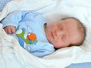 ANTONÍN FUCHS. Narodil se 26. srpna Veronice Hikadové a Tomáši Fuchsovi ze Svitav. Měřil 49 centimetrů a vážil 3,3 kilogramu. Má sestřičku Nelinku.