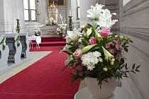 Krása a vůně květin prostoupily zdi litomyšlského zámku o uplynulém víkendu. Další možnost vychutnat si netradiční výzdobu budou moci návštěvníci o velikonočním víkendu.