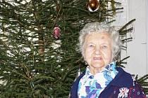 Andělka Ambrůzová žije na faře v Radiměři více jak šedesát let. Vzdala se své lásky, aby mohla pomáhat kněžím. Laskavou dámu mají lidé rádi. Má mezi nimi spoustu přátel.