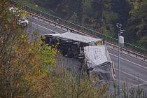 Havárie kamionu uzavřela Hřebečský tunel.