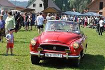 Do Širokého Dolu se sjelo tři sta sběratelů historických automobilů a motorek