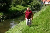 František Chladil z Hradce nad Svitavou ví, co dokáže vodní živel. Jeho dům stojí v těsné blízkosti řeky.