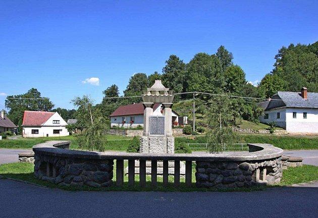 Škola v Třebařově je kulturní památkou