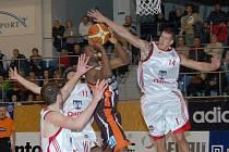 Svitavští basketbalisté utrpěli v zápase proti Novému Jičínu nejvyšší porážku v dosavadním průběhu sezony.