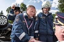 Vícemistři ze Svitav. Martin Heger, Mirek Dědič, Petr Dufek, Štěpán Heger. To jsou nejlepší profesionální hasiči v Pardubickém kraji. Mají i svého kouče, tím je Antonín Mrštný.
