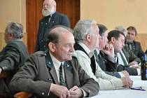 O padělcích vysvědčení a mysliveckých zkouškách jednali myslivci  na okresním sněmu v Opatovci u Svitav.