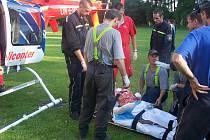 Na místě zasahovali záchranáři, pro zraněné přilétly dva vrtulníky.