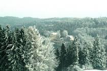 Toto nádherné zimní foto hradu Svojanov zaslala kronikářka Svojanova Růžena Stejskalová. Na člověka z něj dýchne doba před mnoha staletími, kdy byla naše oblast plná lesů a vesnice byly jen seskupením několika domů.